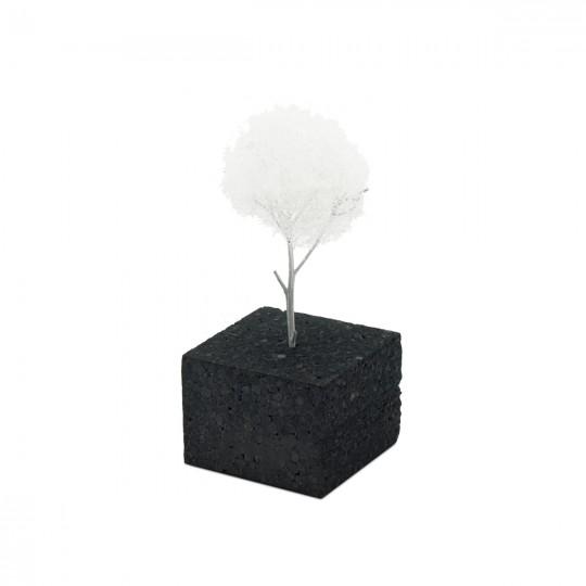 Дерево белое с искусственной посыпкой  5-7 см